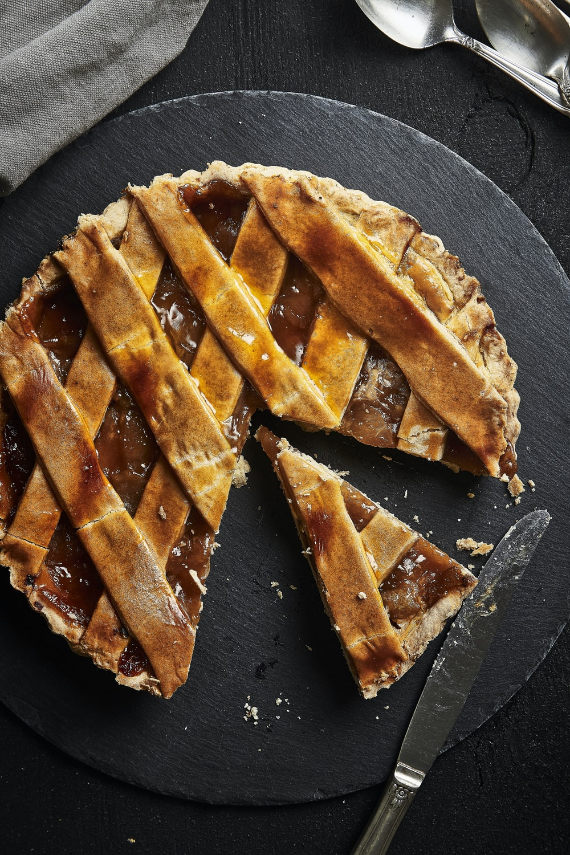 apple pie on black palte
