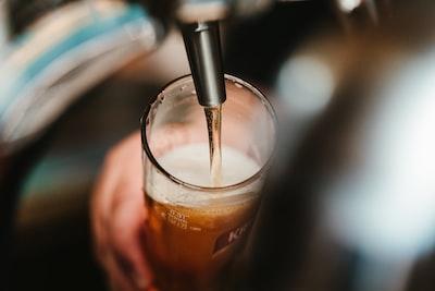 Kalorier i alkohol, vin, øl og spiritus 🍺🍷