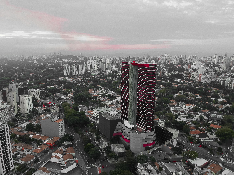 city under gray sky