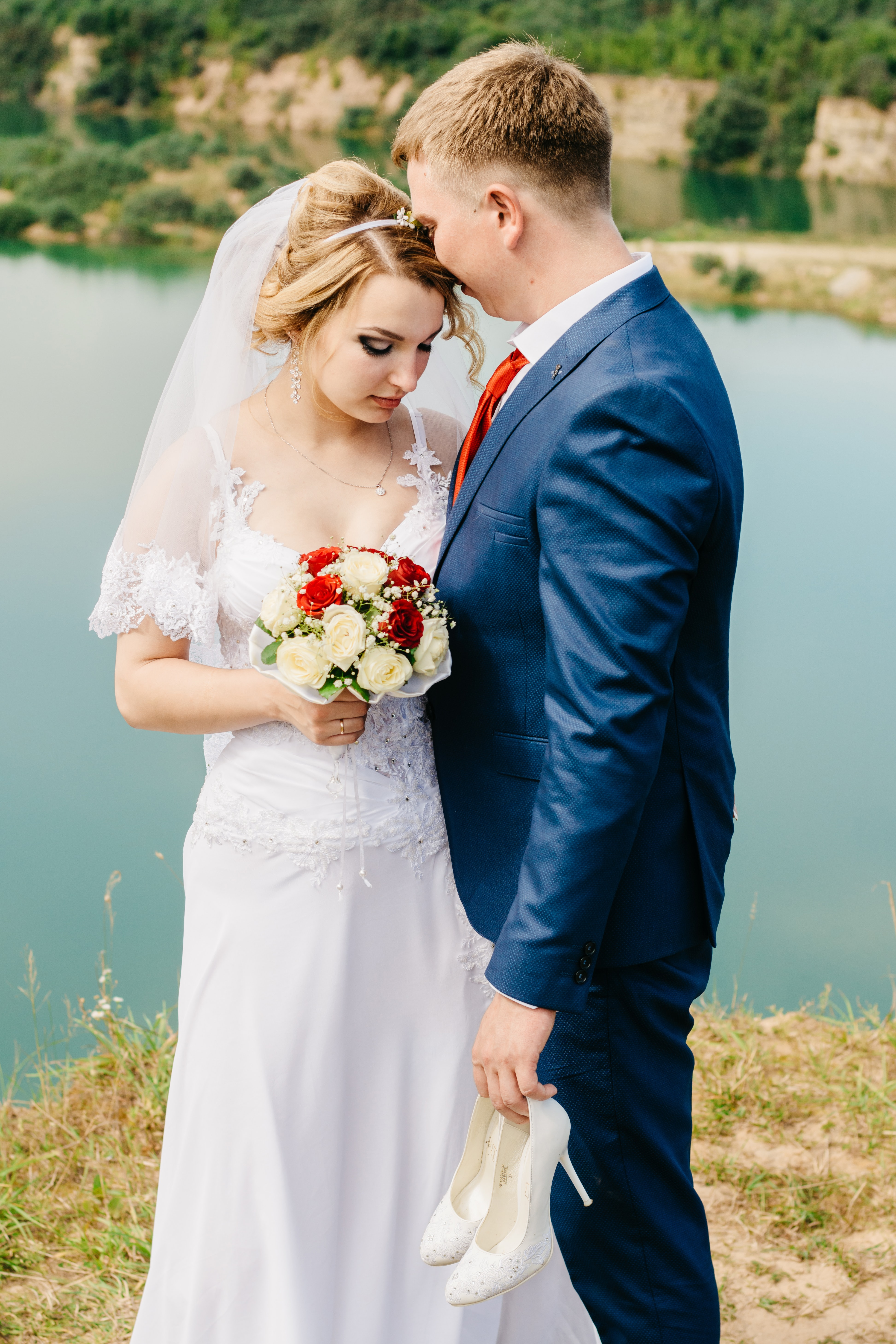 groom and bride pictorial