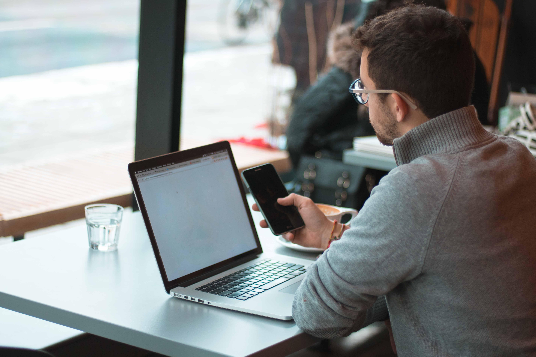 5 Cara Menghemat Baterai Laptop Secara Efektif