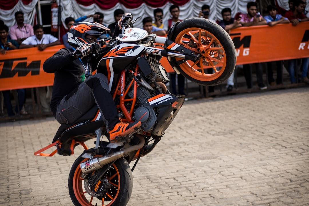 KTM Duke Stunt Show