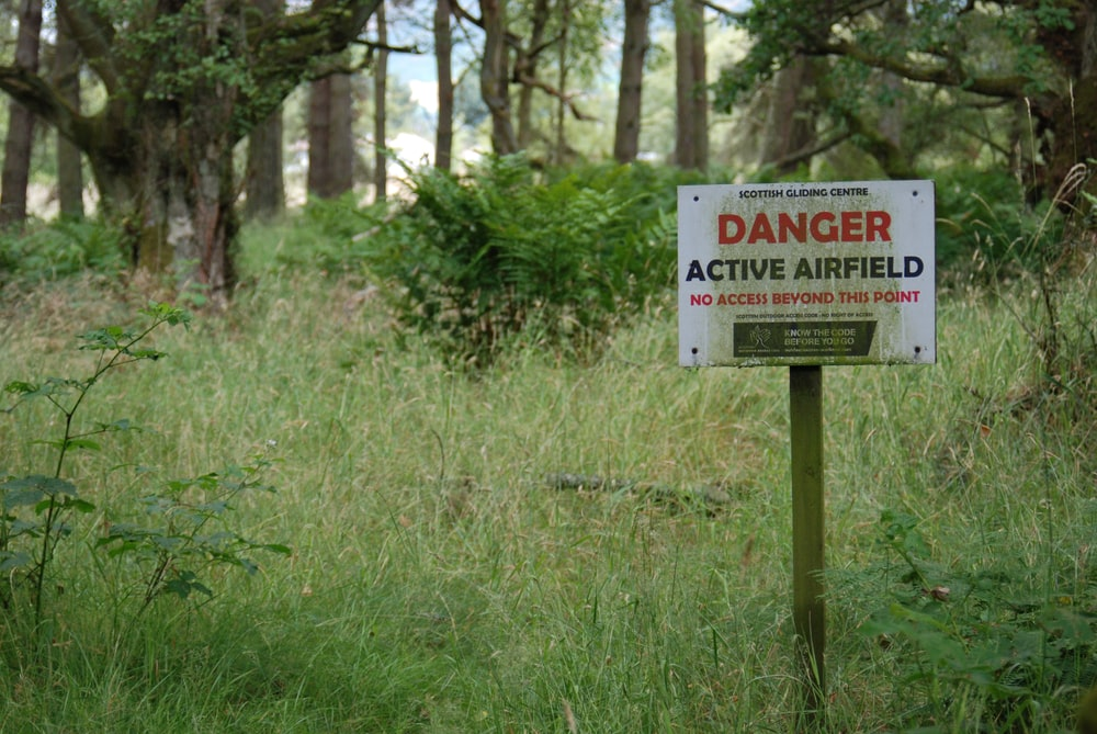 danger active airfield signage