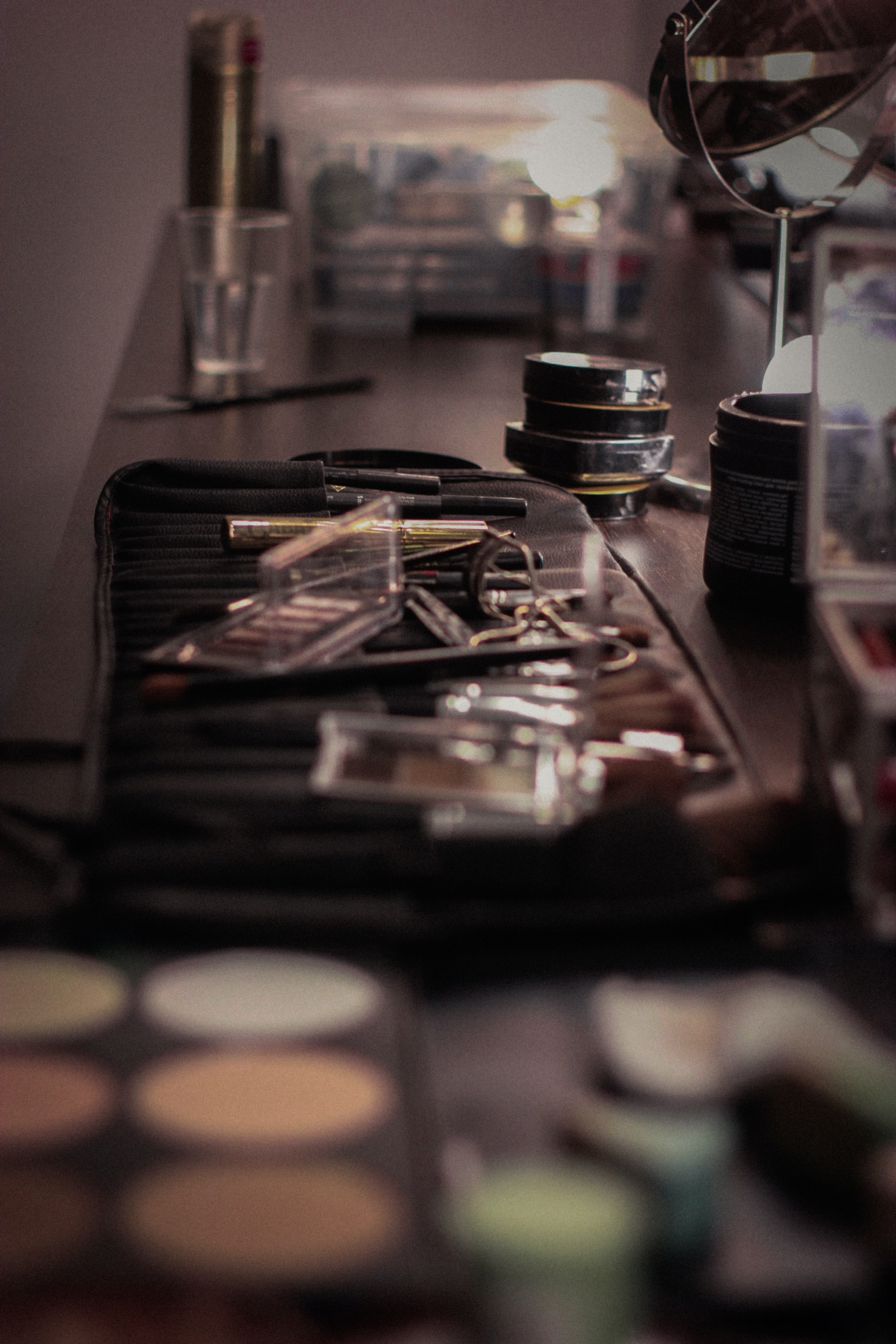 shallow focus photography of makeup palette