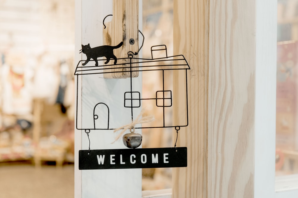 black house welcome decor