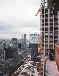 yellow tower crane