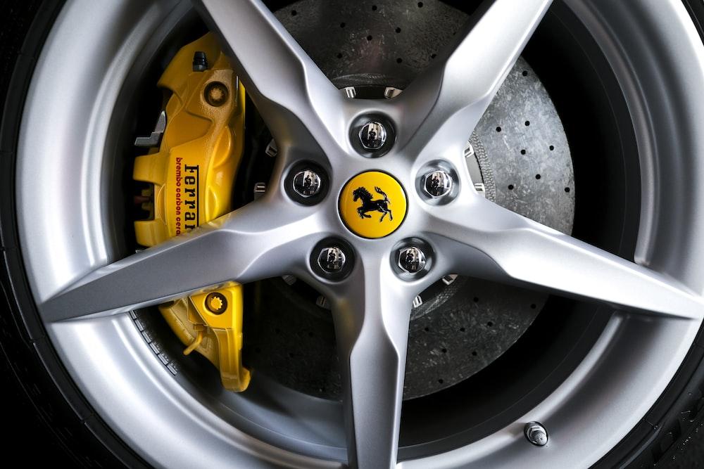gray Ferrari 5-spoke wheel