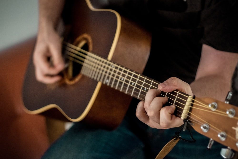 A Man Started To Play His Guitar For Hd Photo By 42