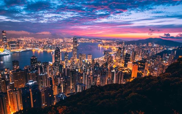 hiking in hong kong at night at victoria peak