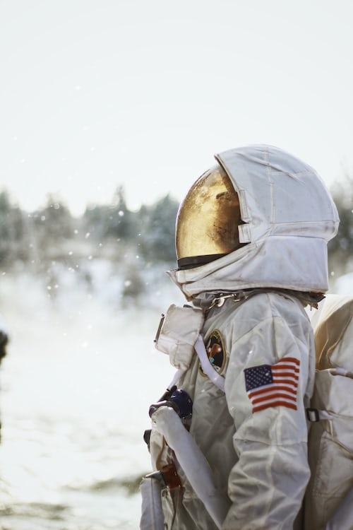 美国宇航局计划2024年使第一位女性登上月球