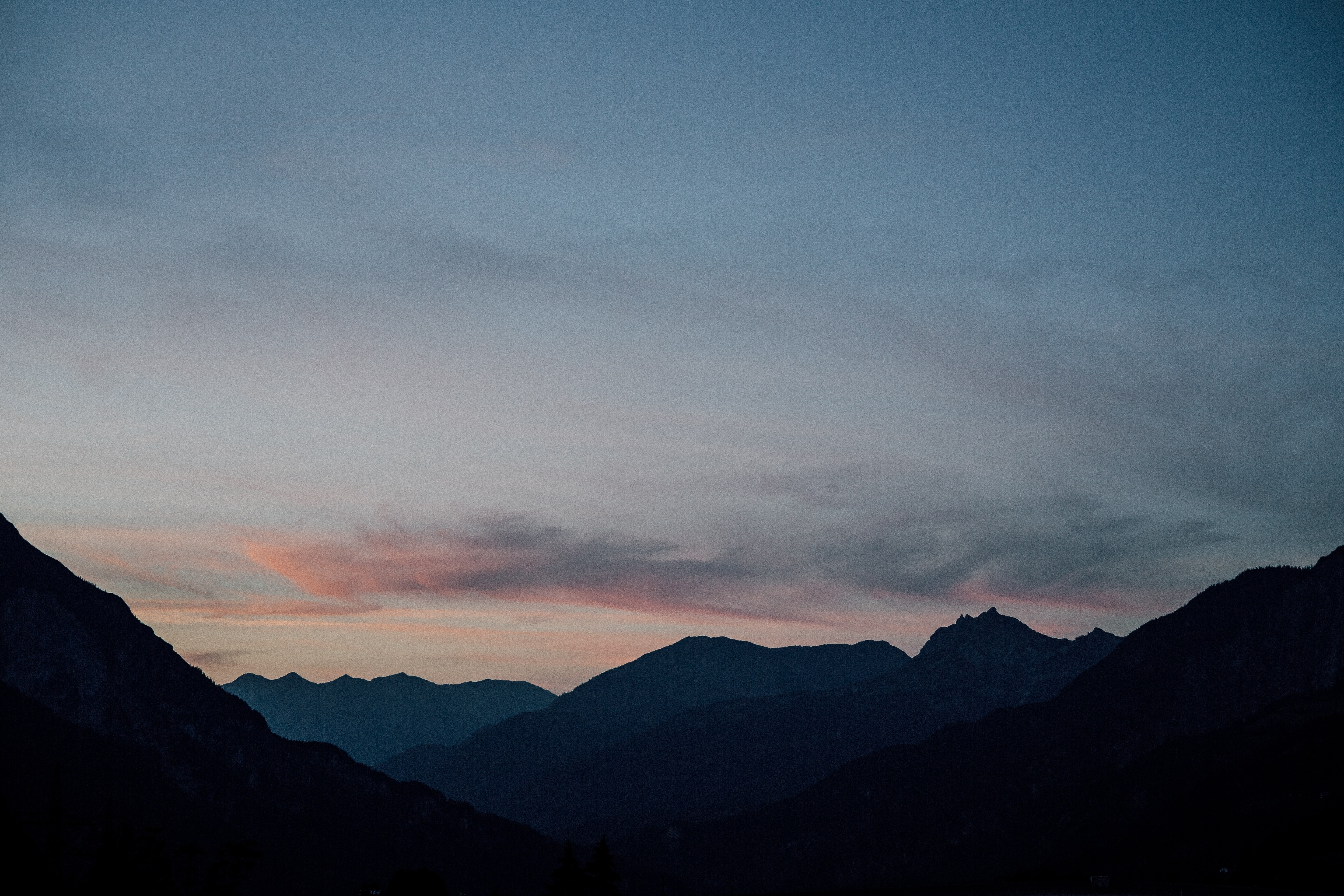 silhouette of mountain hills