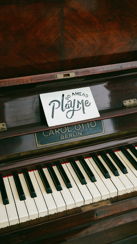 brown Carol Otto Berlin piano close-up photo