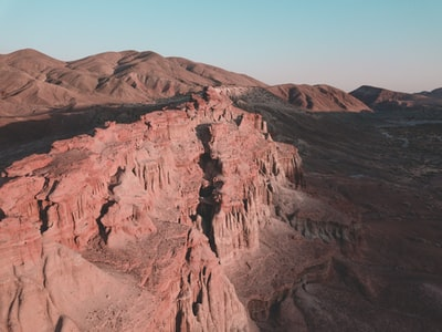 brown rock cliff californium zoom background