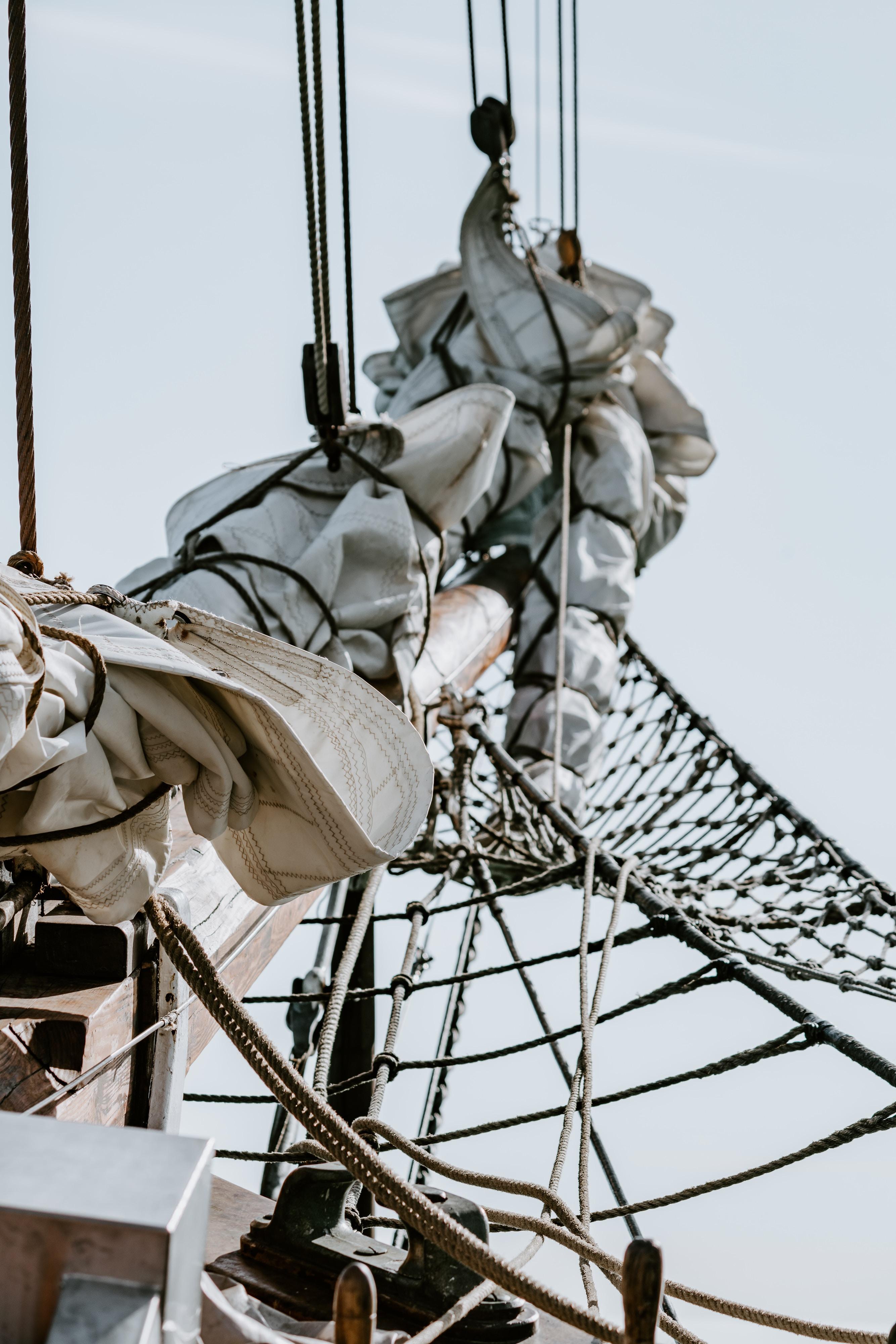 tie sail boat cloth