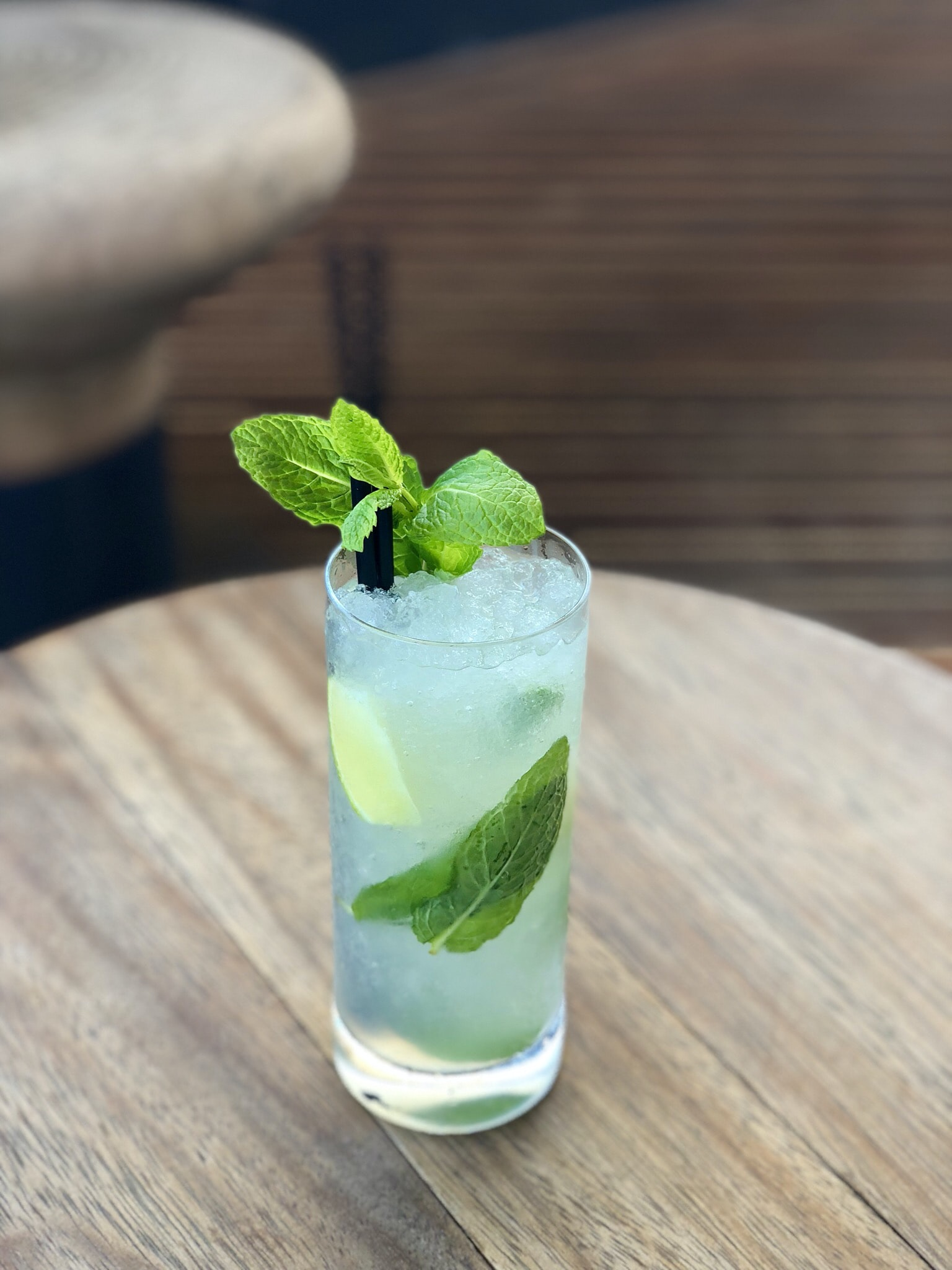 mint juice in clear drinking glass