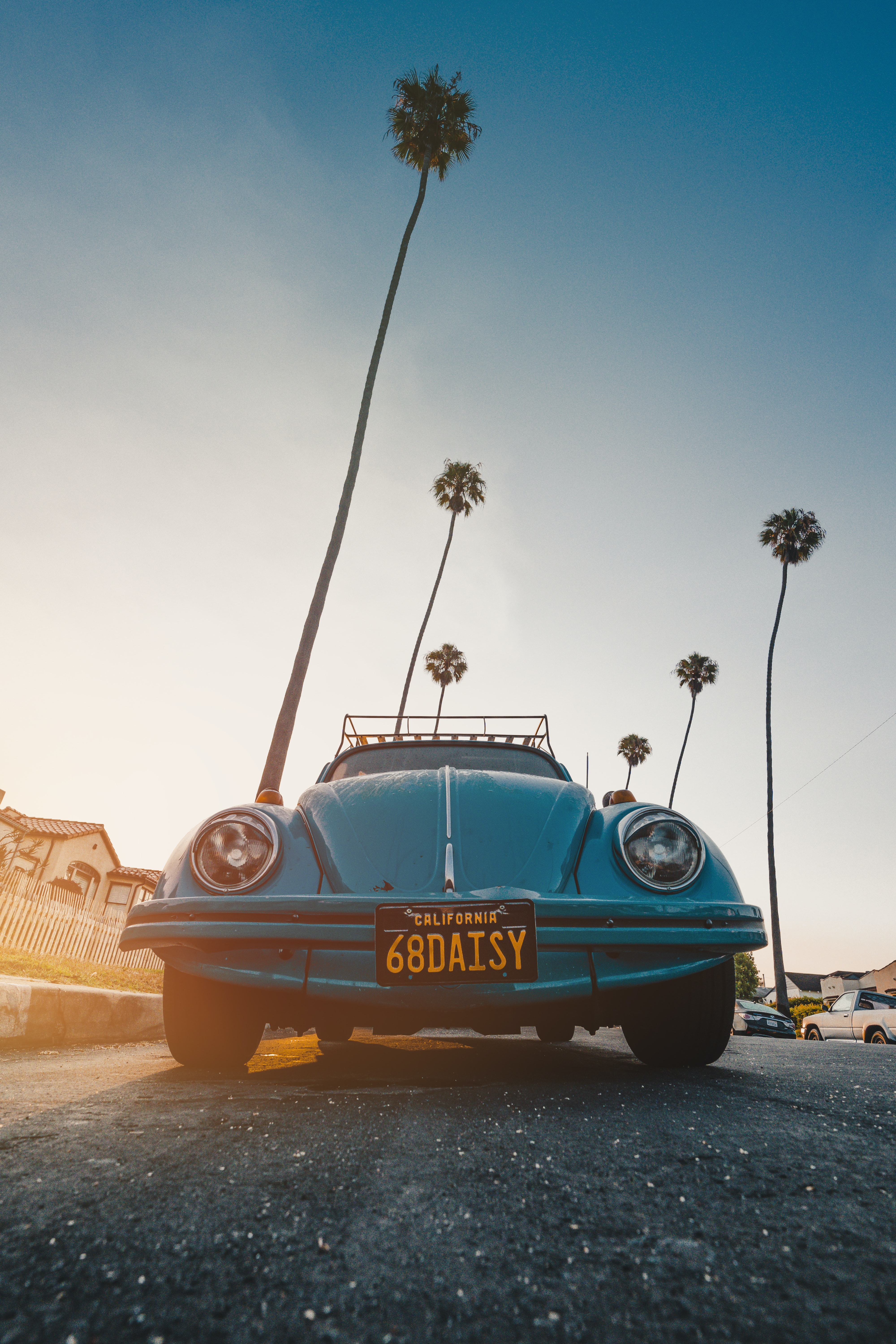 blue Volkswagen Beetle coupe