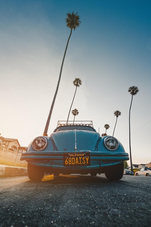 blue Volkswagen Beetle coupe