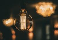 closeup photo of light bulb