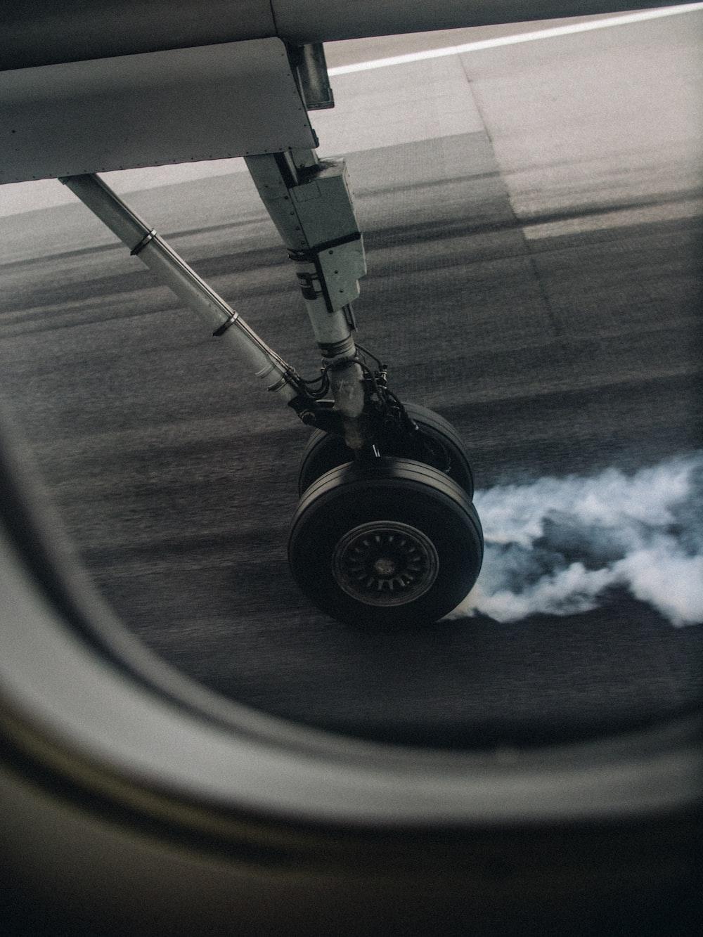 black airliner