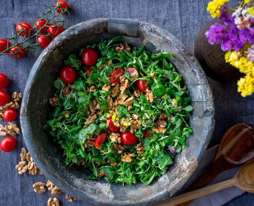 Thankgiving Vegan Recipes: Tomato Cucumber Salad with Oregano and Mint