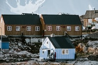 houses on cliff