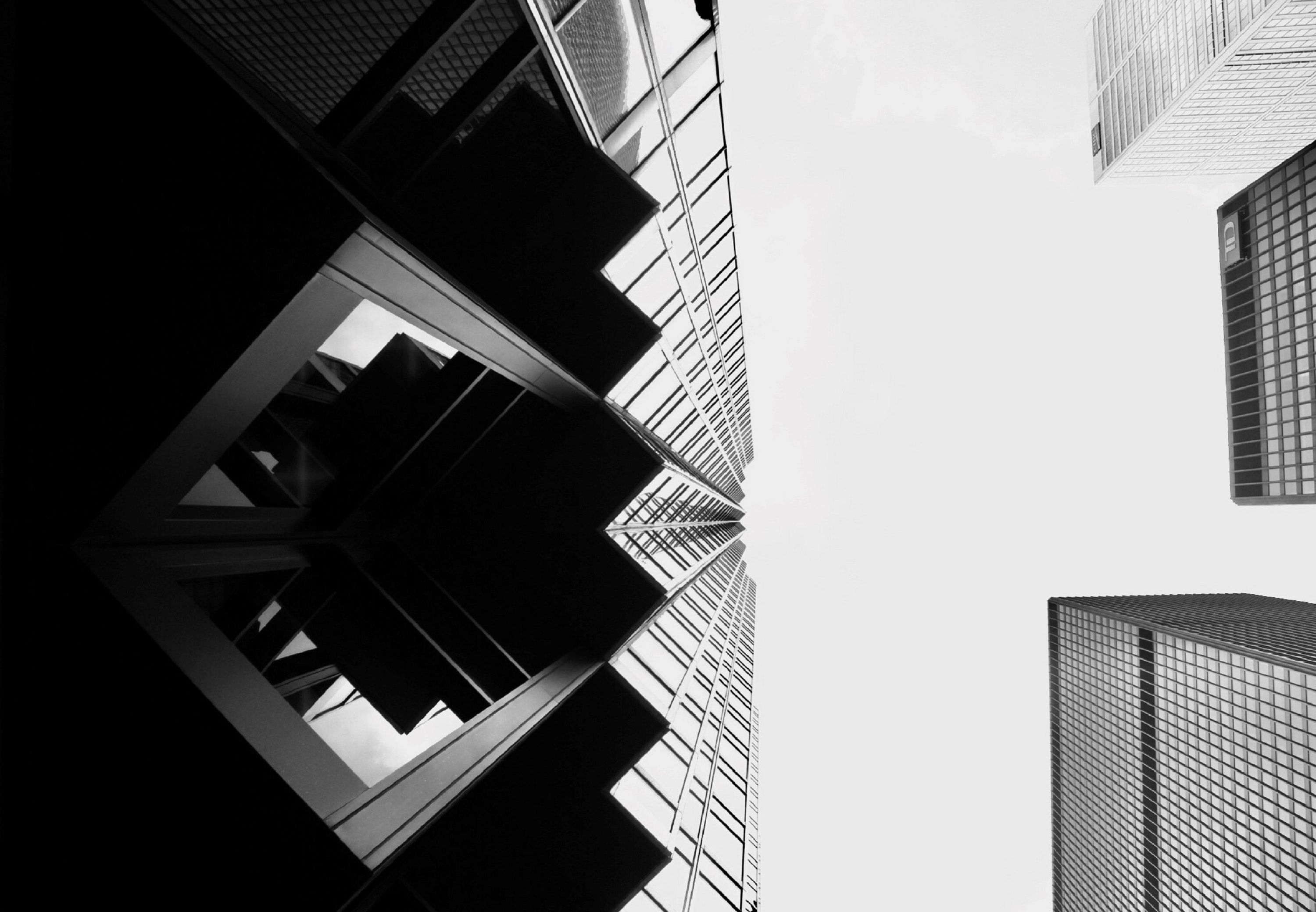 worm eye of high rise building
