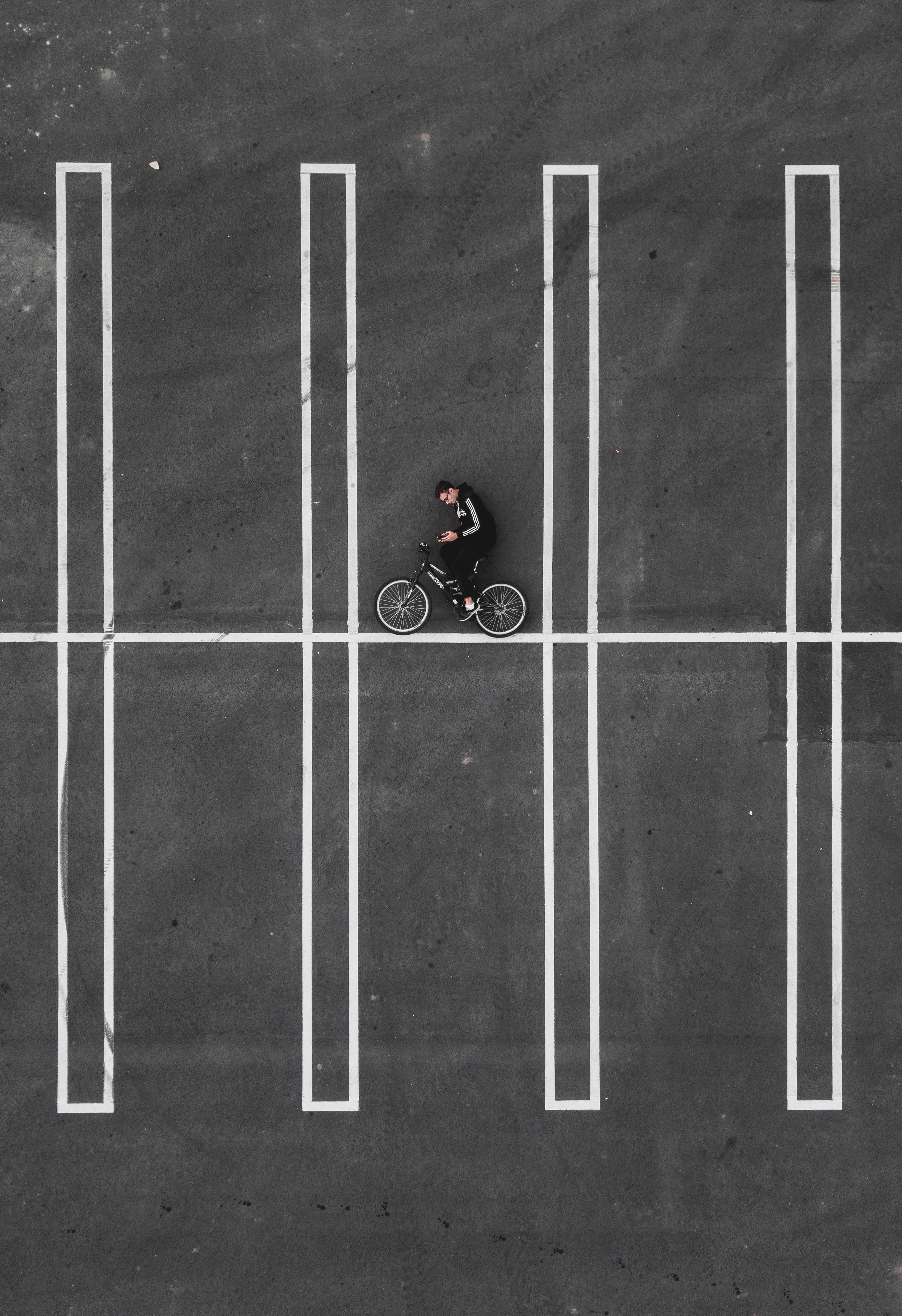black bicycle