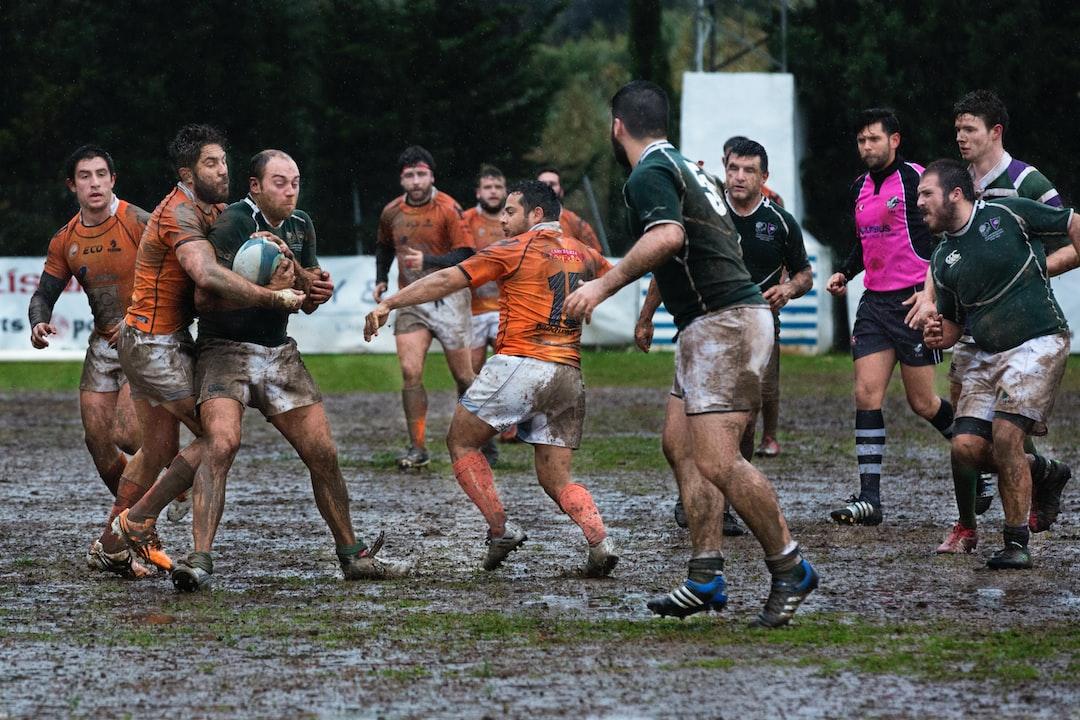 Esta foto la hice el año pasado durante el partido disputado  entre el Rugby Facultad de Económicas Málaga y el Club de Rugby Málaga B en el Bahías Park de Marbella. Las condiciones meteorológicas hicieron que el partido fuese dificil, con mucha lluvia y barro  pero primó la deportividad como suele ser habitual en rugby.