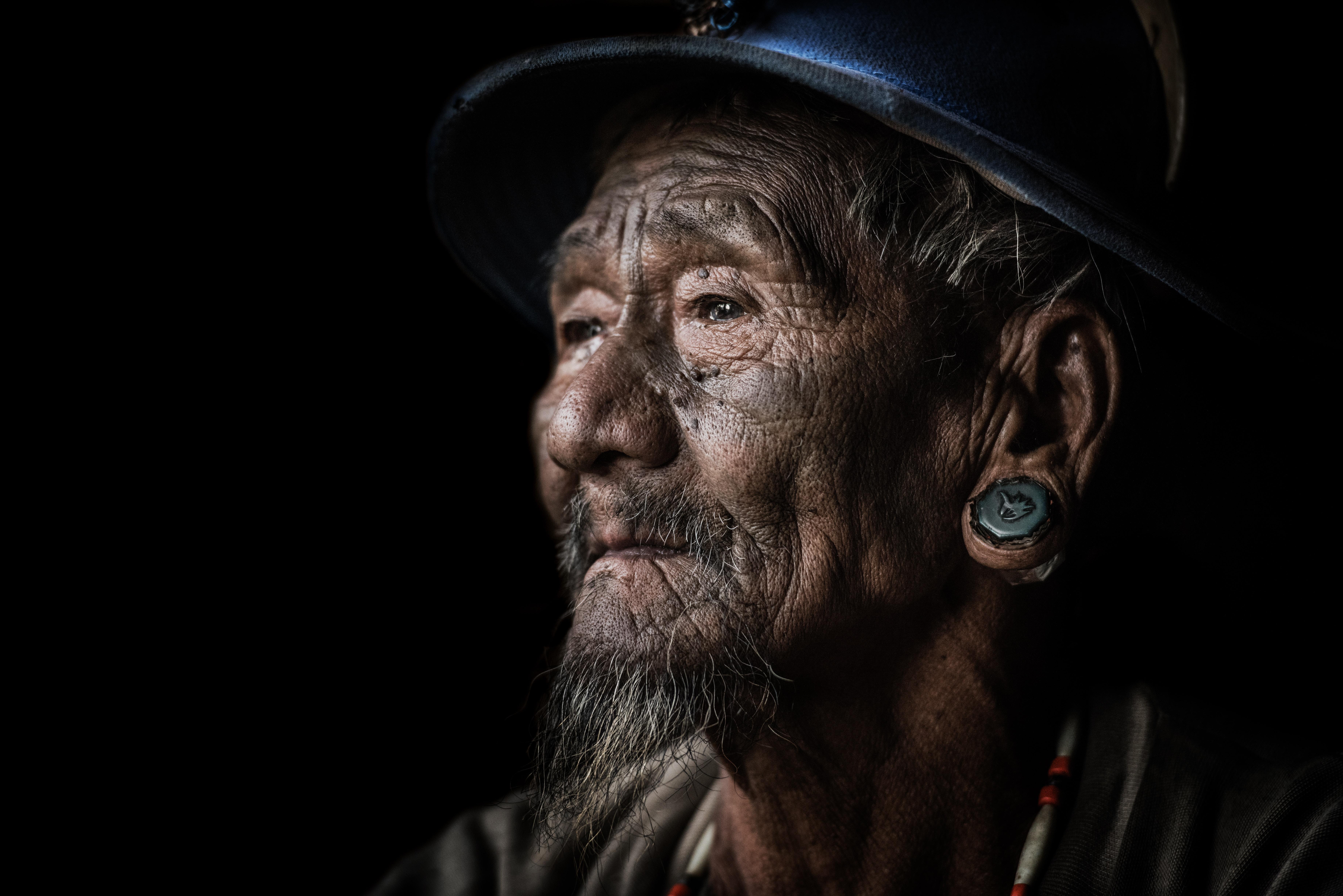 closeup photo of man