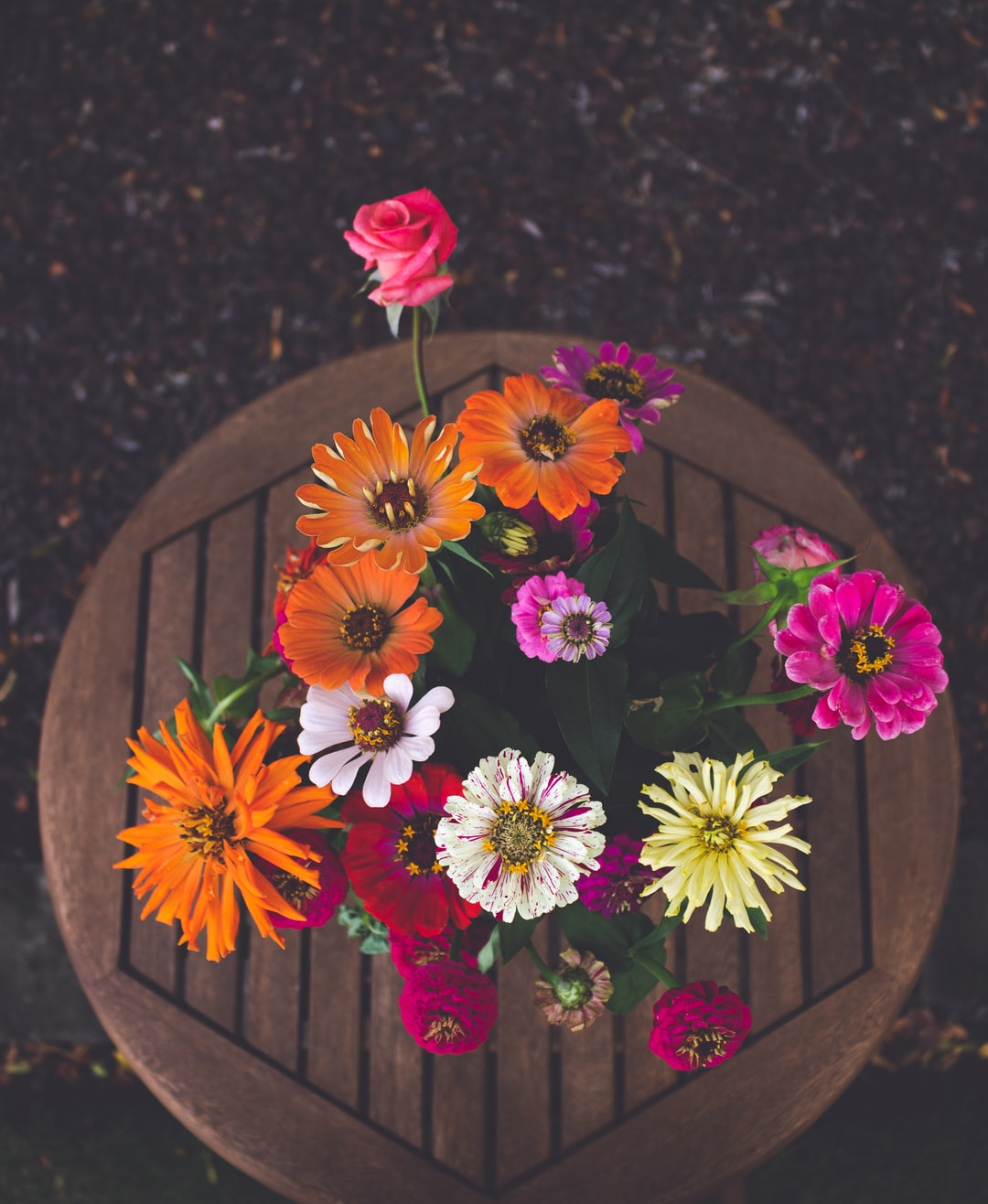 3946. Virágok