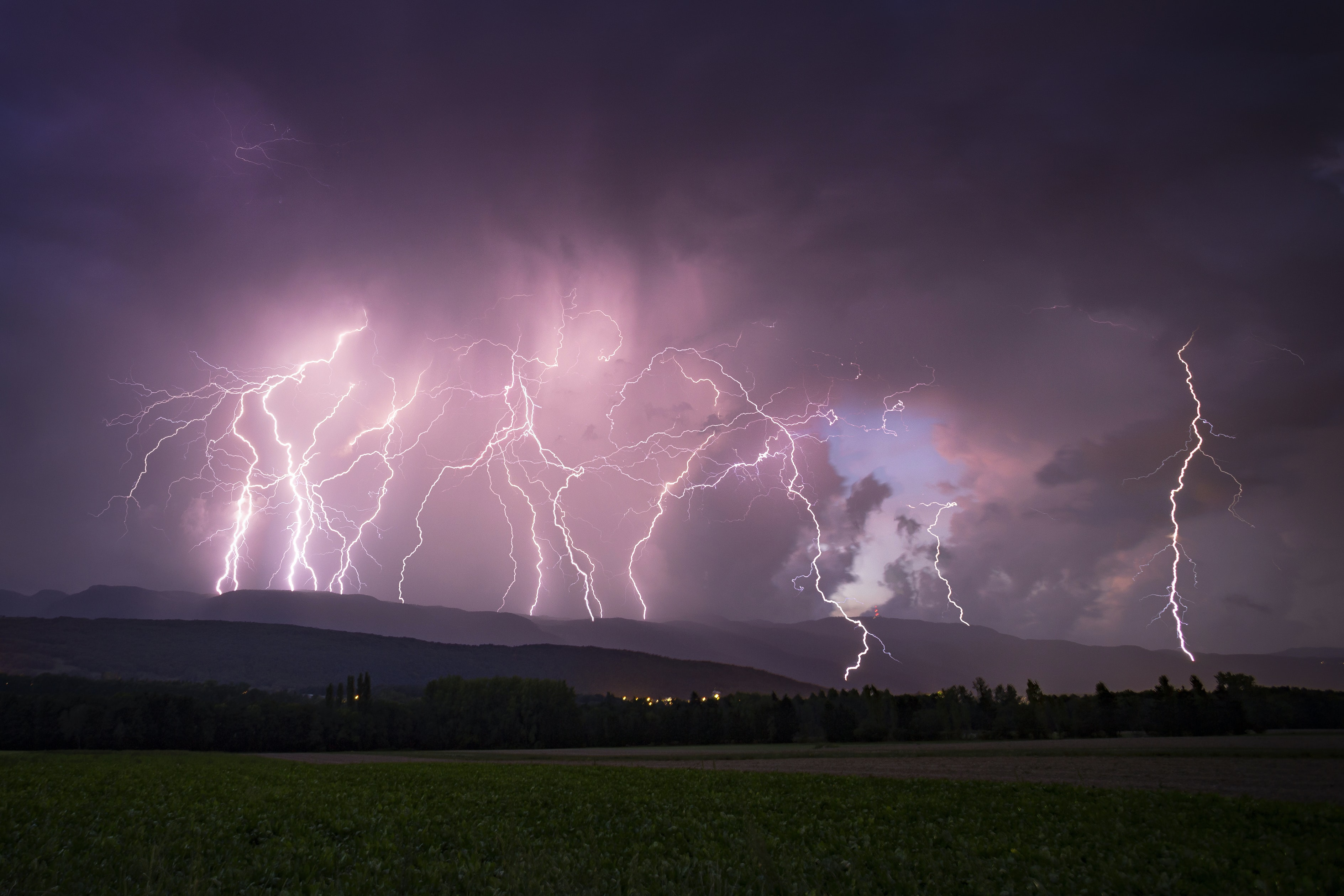 photo of lightning and thunder