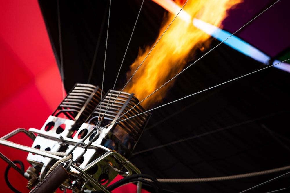 focus photo of hot air balloon flame