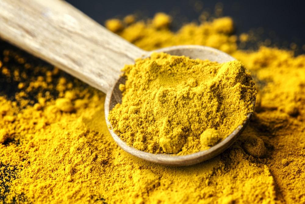yellow power on spoon