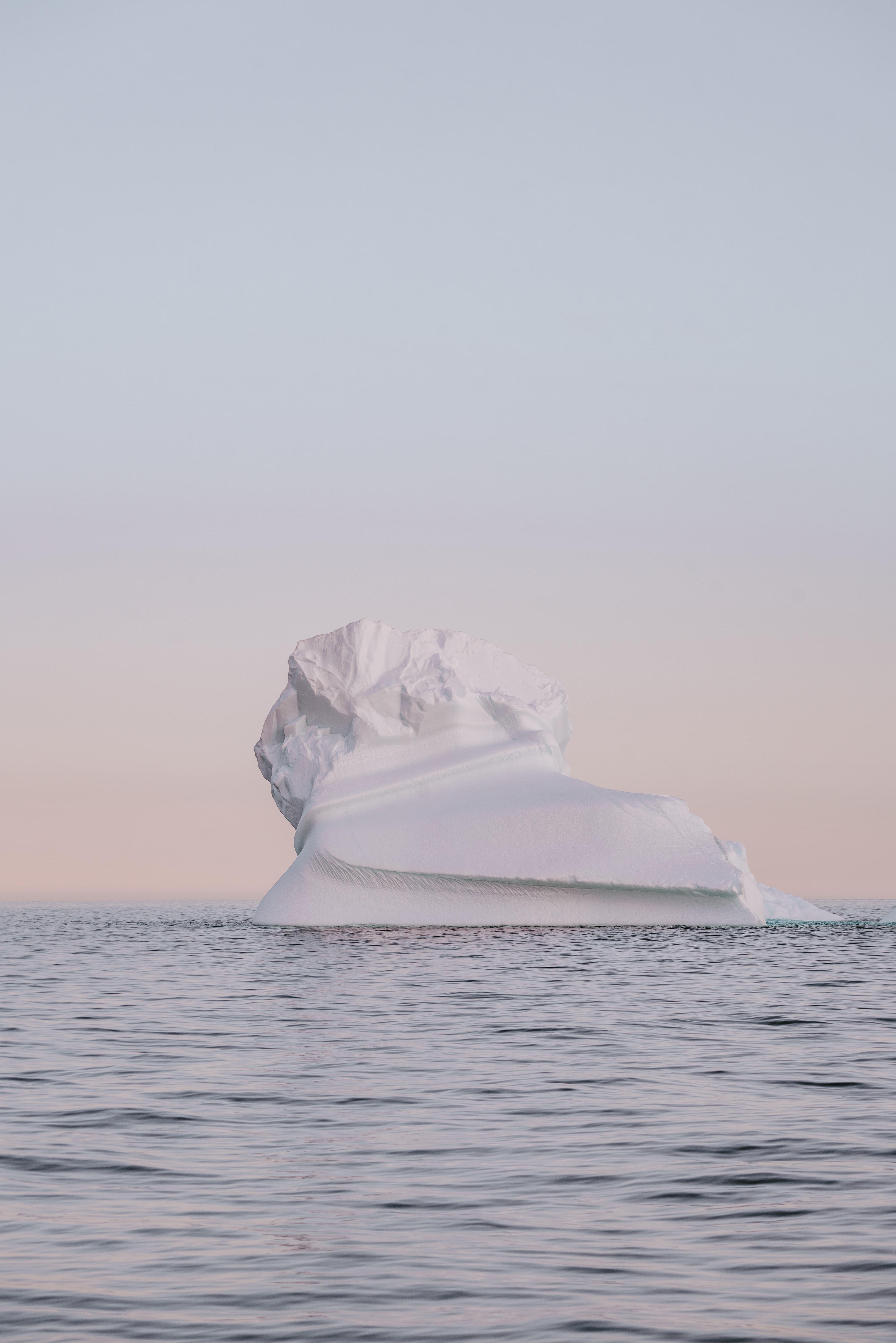 ice berg during daytime