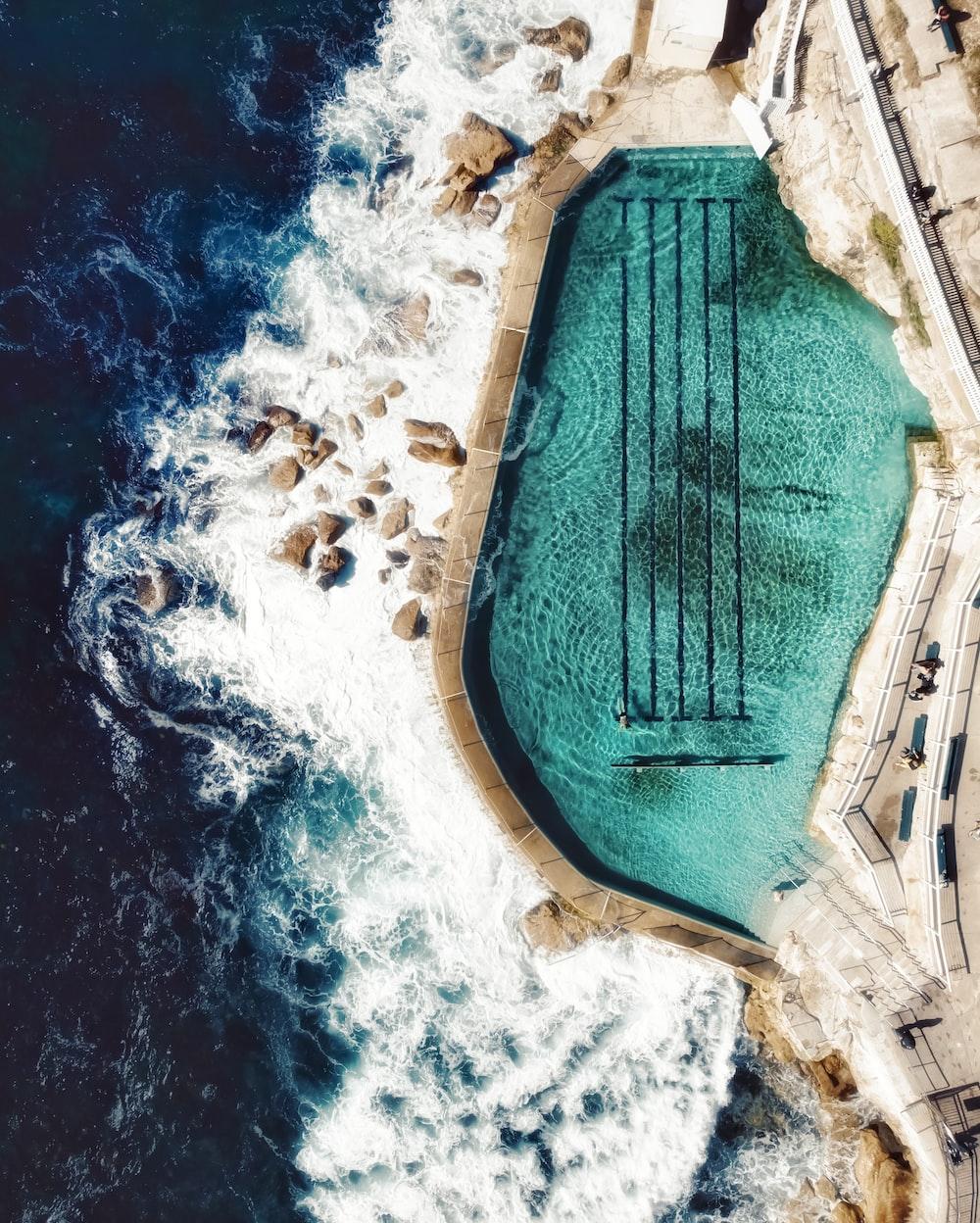 Bronte beach ocean pool | HD photo by Emjeii Beattie (@emjeiiamira