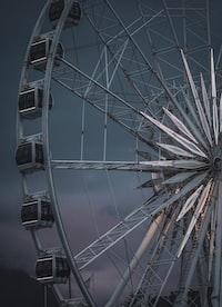 gray Ferris wheel