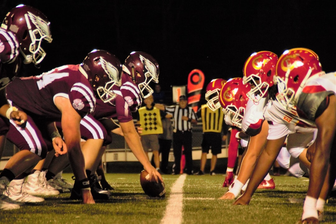 500 American Football Pictures Hq Download Free Images On Unsplash