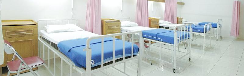 医療現場は世界的に人手不足。医学生や航空会社の協力も医療崩壊は免れぬか?