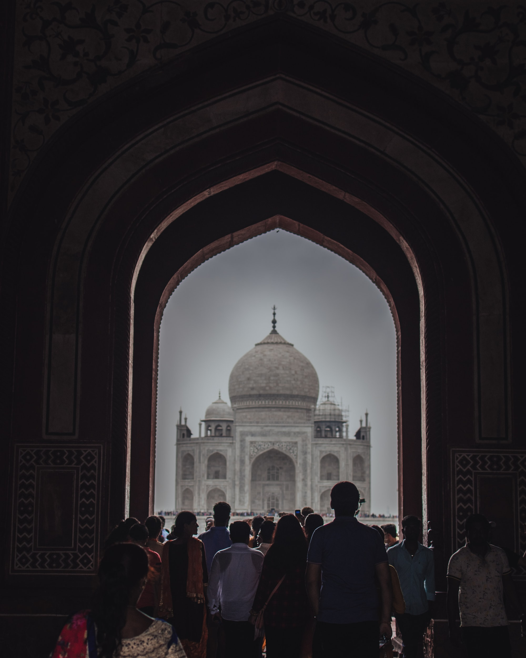 One of the eight wonders of the world,Taj Mahal in Agra, India is a symbol of love. Love of  a great Mughal emperor to his beloved queen. This monument ia often described by its incredible beauty and the thousands of love associated to it. Lives of all the workers, the lives and the afterlives of the queen and the emperor Shahjahan