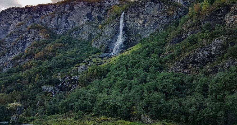 waterfalls time lapse photo at daytime