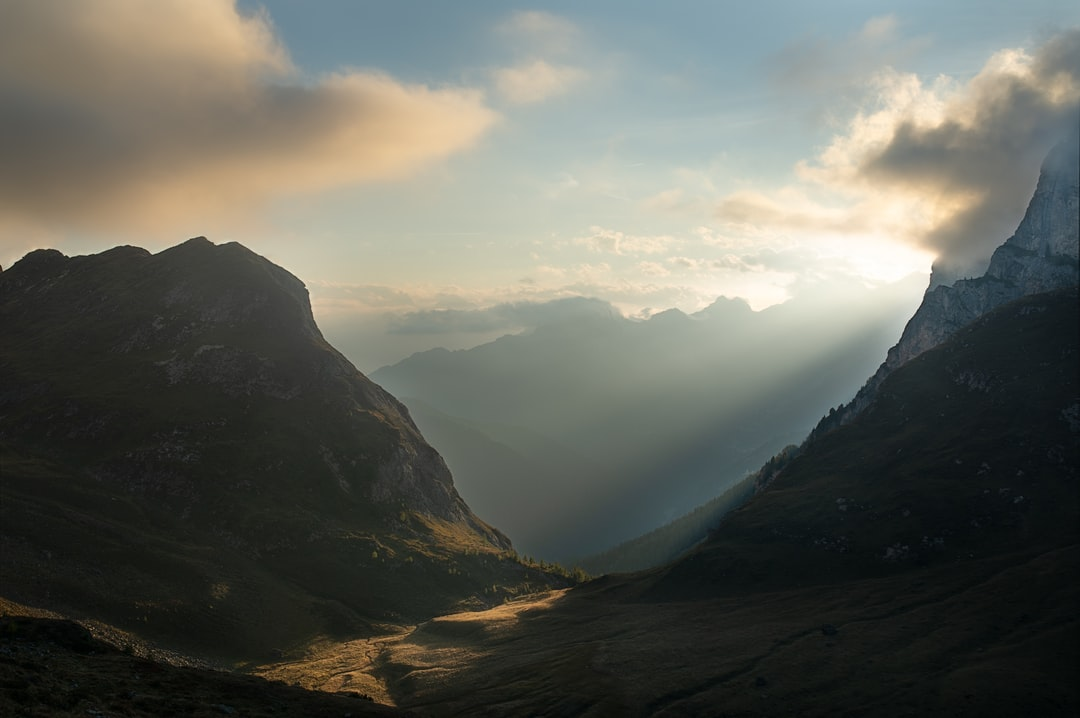 When I got up there I did not expect such a scenario. A small ray of light that passed between two mountains and illuminated the pratti beneath them. A joy for the eyes, it seemed surreal.