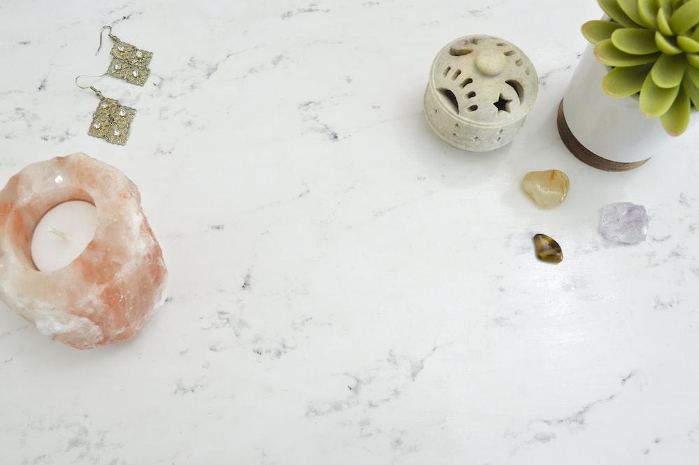 white granite table