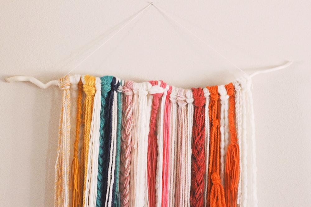 orange and pink yarnds