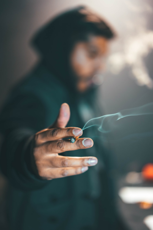 750 Smoking Pictures Download Free Images On Unsplash