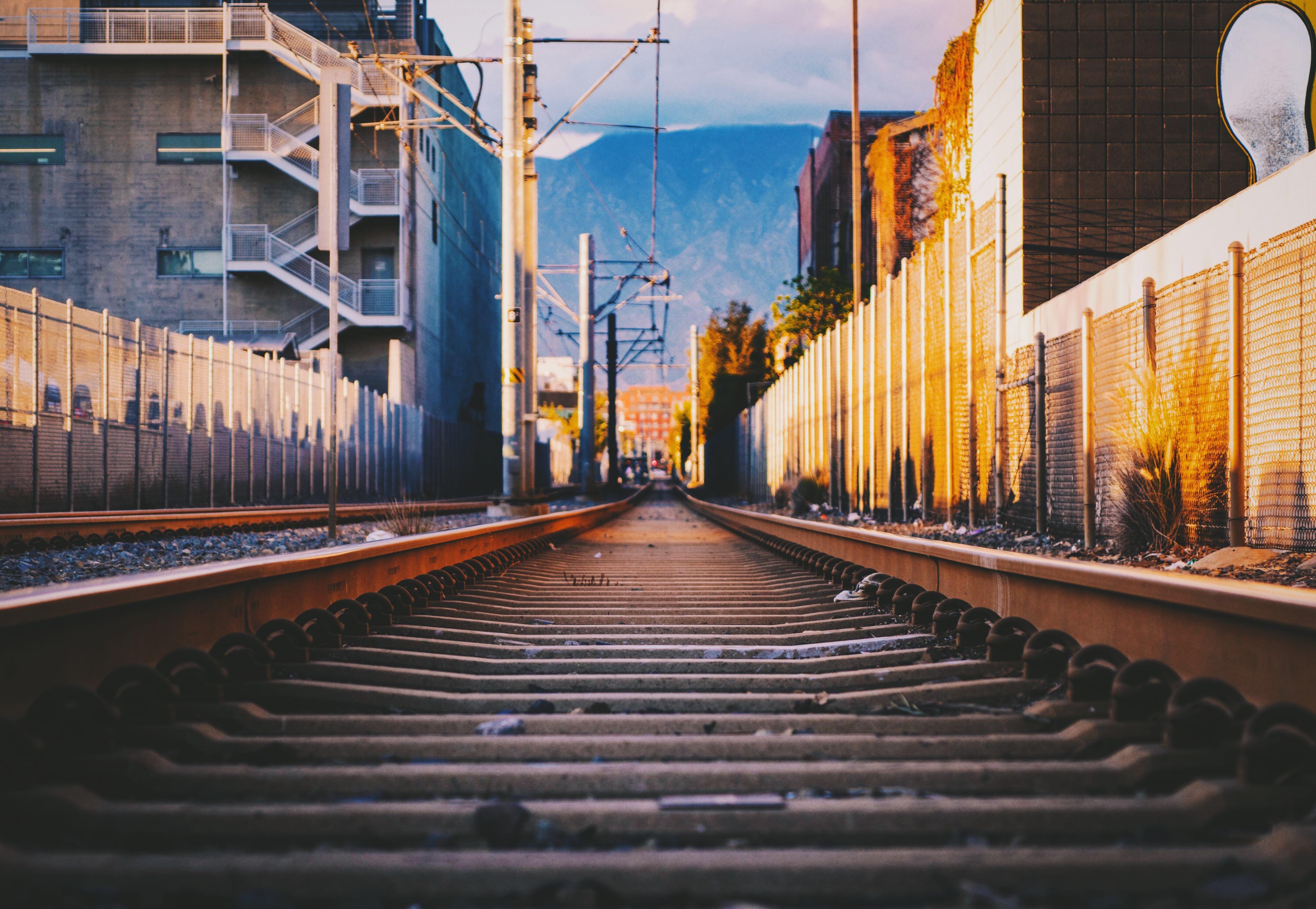 train rail painting