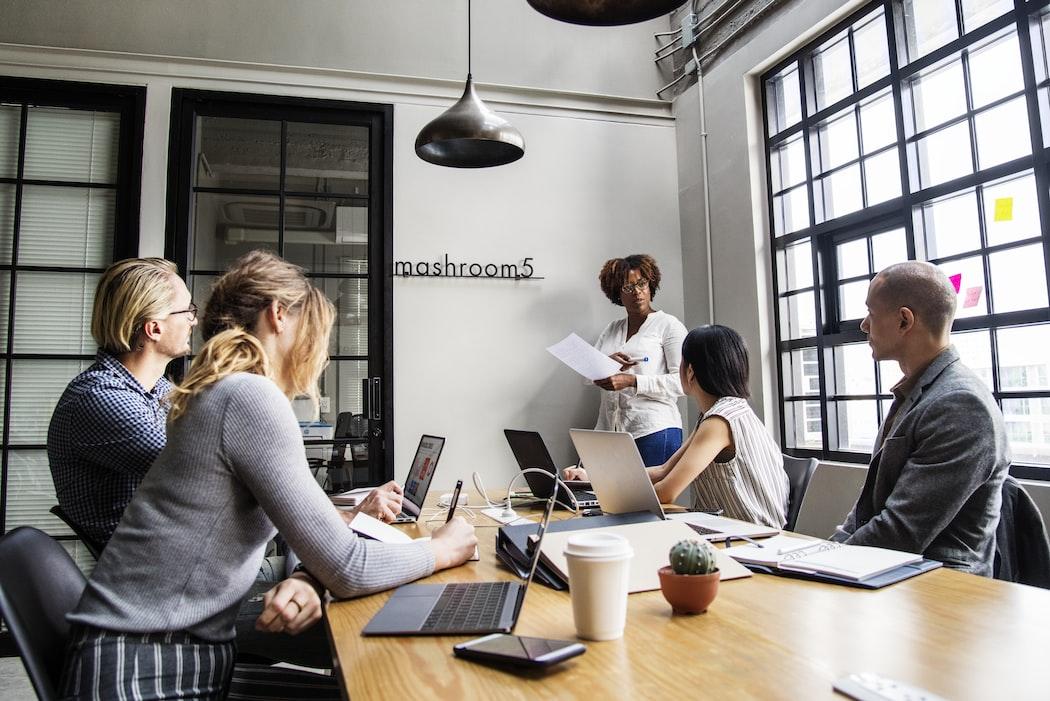 Et si un environnement digital productif contribuait au bien-être au travail ?