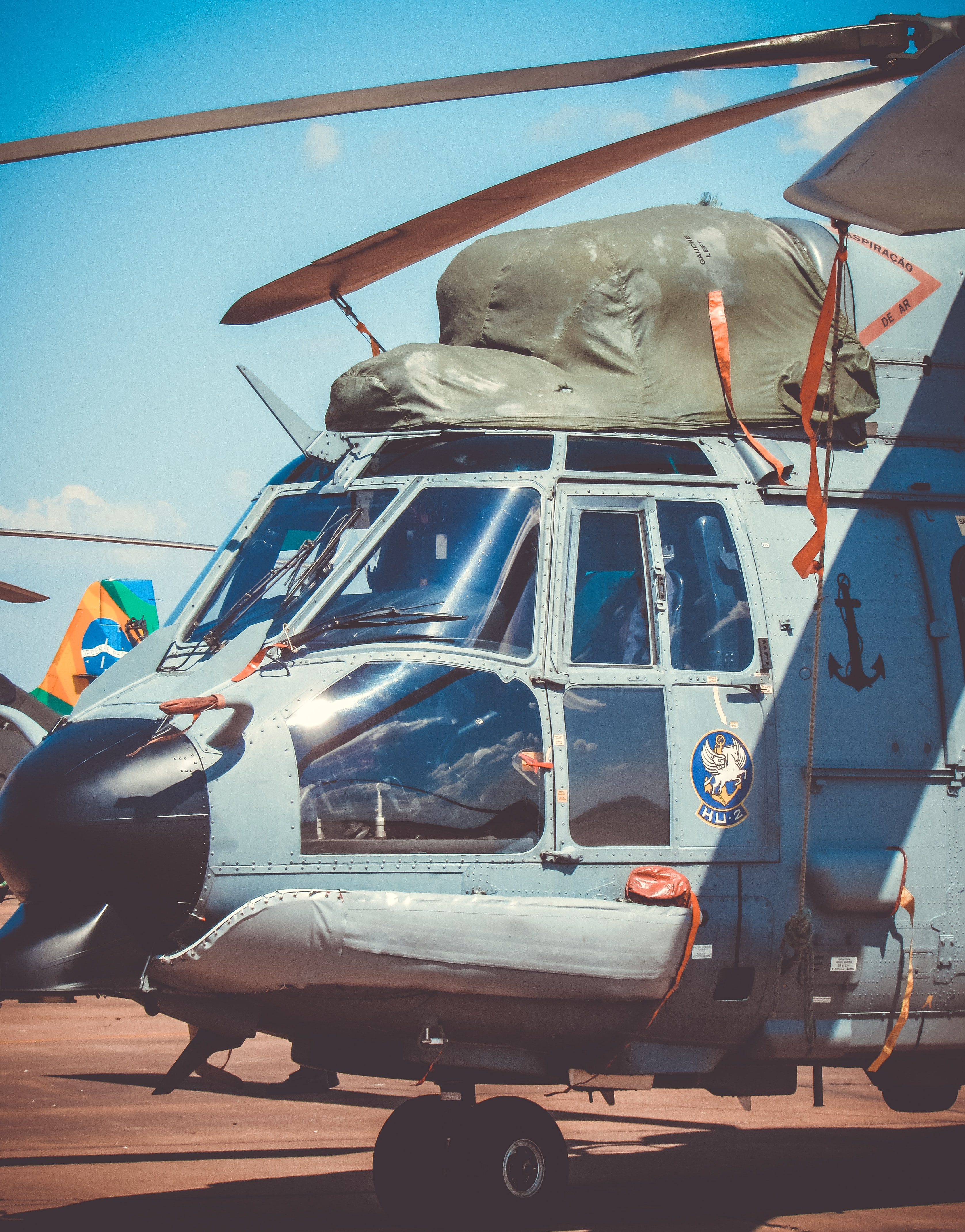 closeup photography of gray helicopter