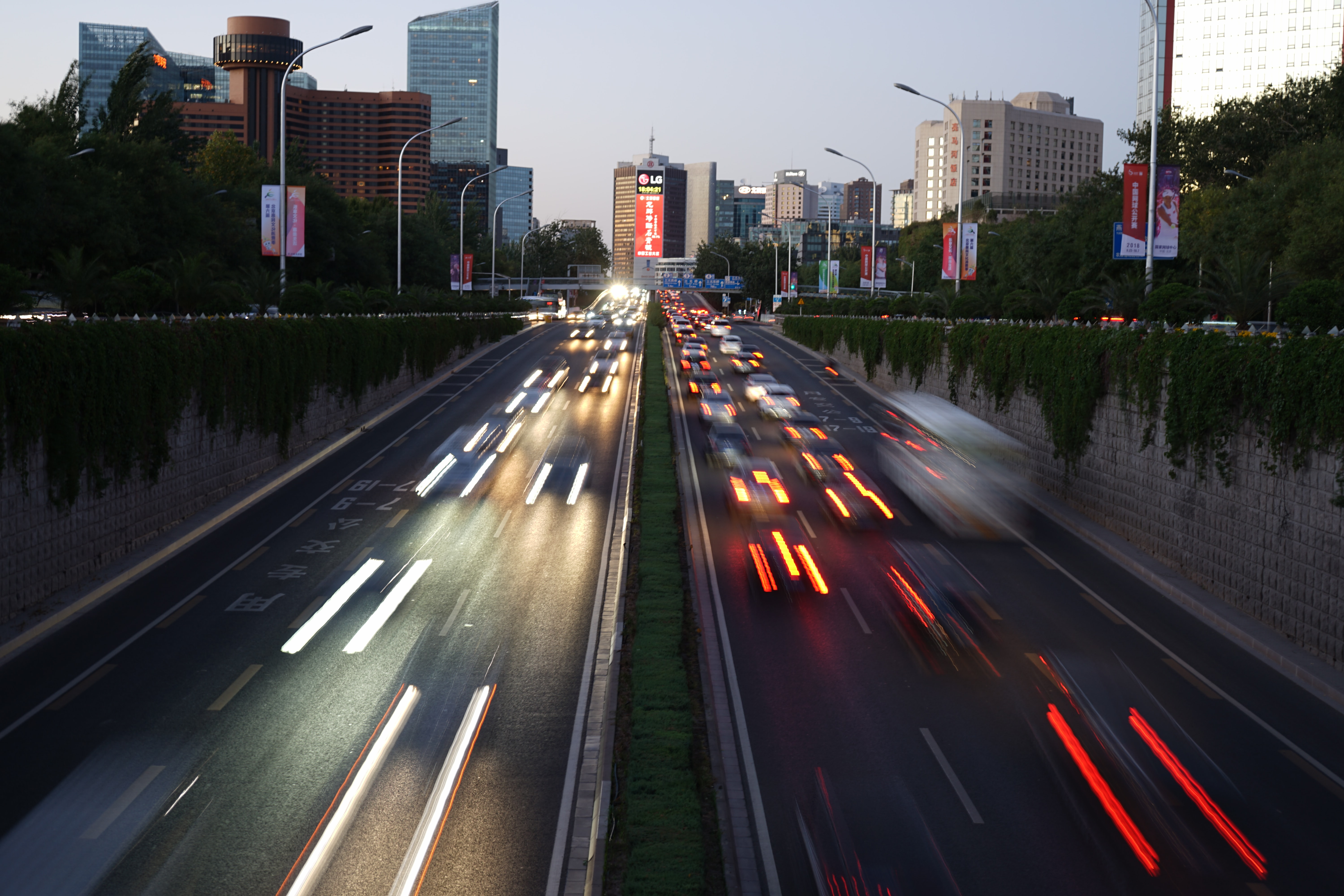 timelapse photography of road during daytime