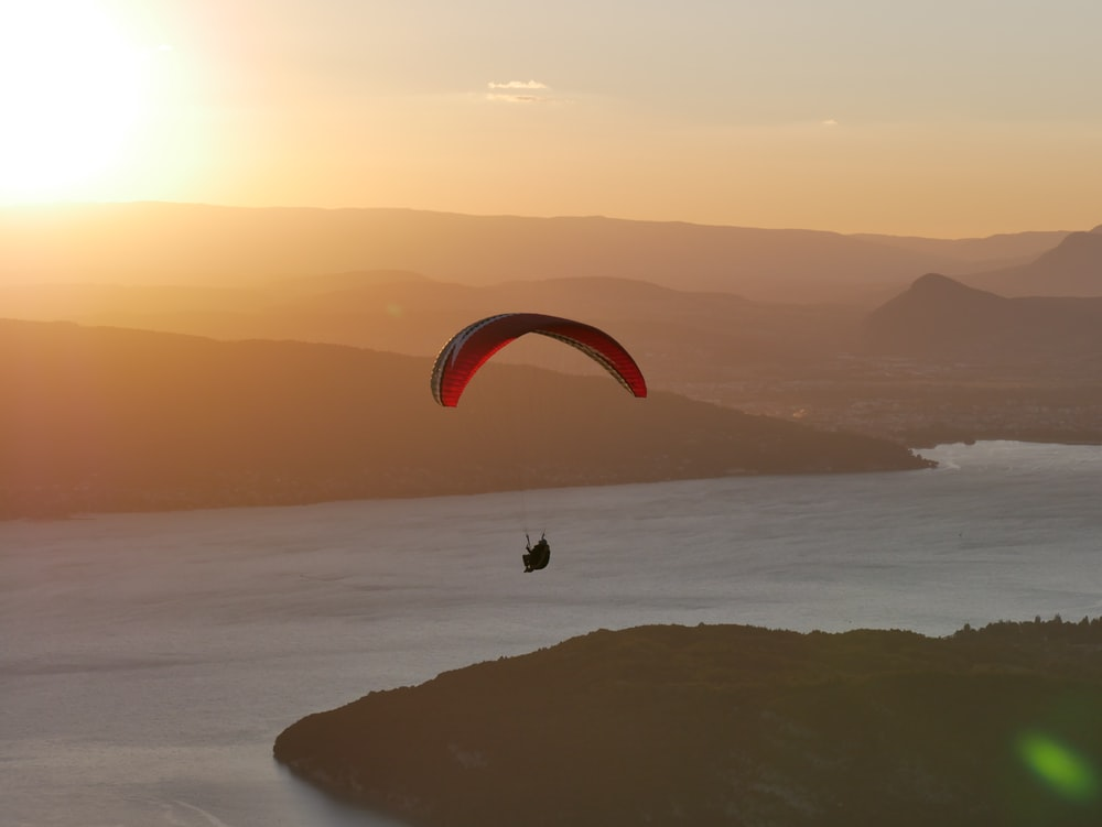 person paragliding wallpaper