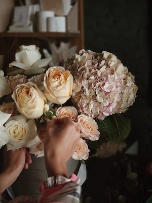 3928. Virágok